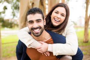 Fotolia_72026331_Subscription_Monthly_M-300x200 Couple hugging each other